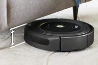 Уборка в труднодоступных местах с помощью Roomba 681